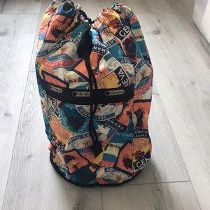 💕 LeSportsac Cross Body Bag 18x11 in